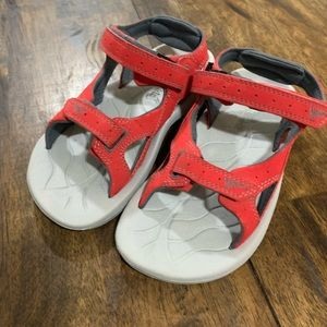 Columbia Boys Size 1 Red Sun Racer Sports Sandals